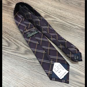 Jos A Bank NWT Purple w/ Gold Windowpane Tie